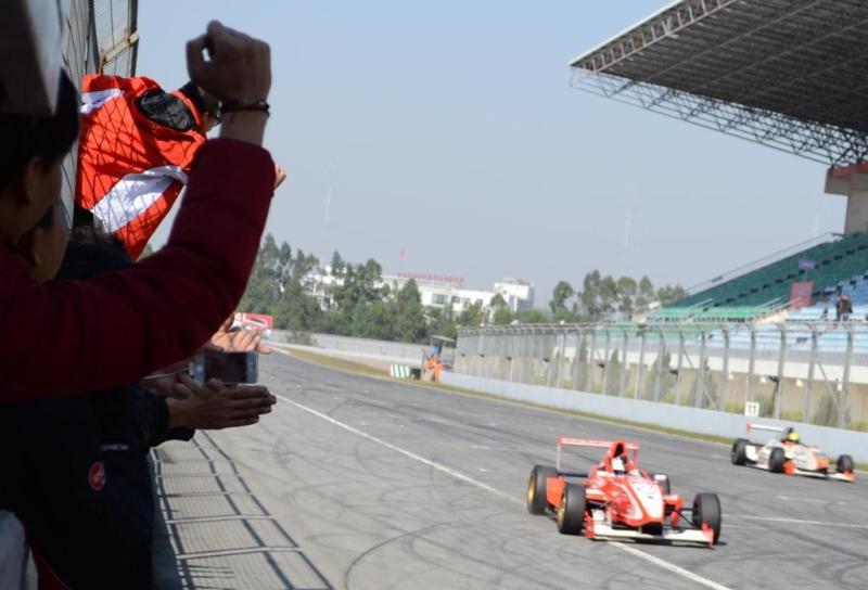 2011 アジアンフォーミュラールノー 最終戦 白石勇樹選手 優勝